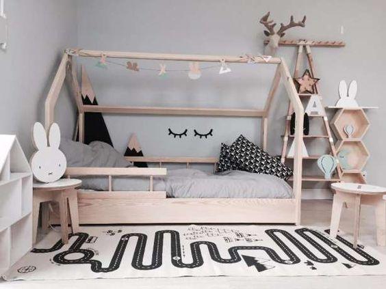 postel domeček