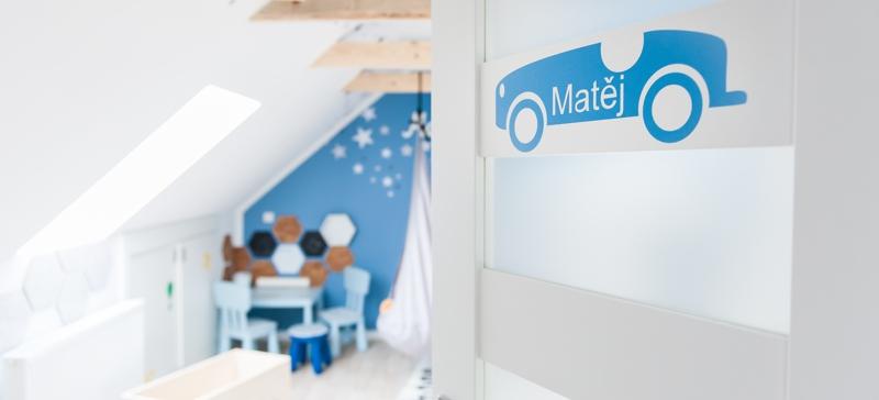 Podkrovní dětský pokoj pro malého kluka, aneb návštěva u Matěje