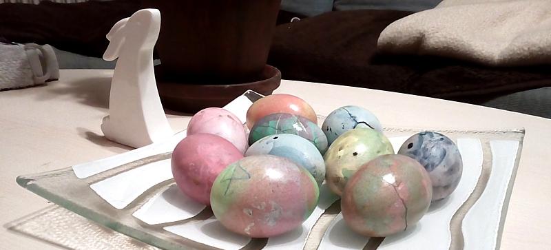 Mramorovaná velikonoční vajíčka, aneb nouzovka, která se vydařila